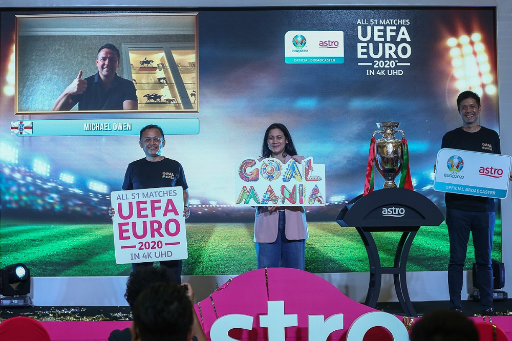 (From right) Astro Head of Sports Lee Choong Khay, Astro Commercial Director Azlin Arshad and Astro Director, NJOI and OTT Mazhairul Jamaluddin pose for a picture during the launch of the Astro Kick-Off Campaign for Uefa Euro 2020 at Sunway Pyramid April 1, 2021. ― Picture by Yusof Mat Isa